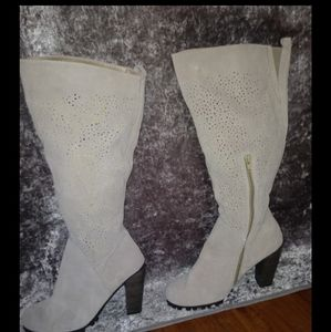 Beautiful beige/tan boots FREE WITH PURCHASE